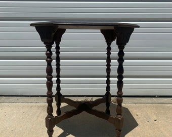 Wood Table Accent Side End Victorian Traditional Carved Nightstand Bedside Entry Way Vintage Mahogany Neoclassical Antique French France