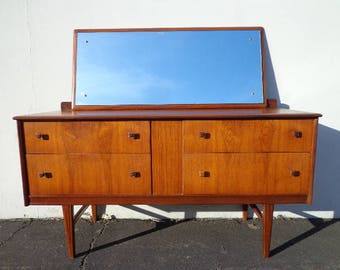 Dresser Mid Century Modern Chest of Drawers Danish Media Console Furniture Cabinet Buffet TV Stand MCM Storage Eames Teak Credenza Bedroom
