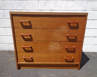 Mid Century Modern Dresser Chest of Drawers Nightstand Bedside Table Danish Teak TV Media Console Furniture Bar MCM Storage Eames Credenza