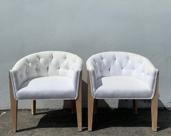 2 Chairs Vintage Barrel Set of Loungers Armchairs Accent Chair Seating Wood Hollywood Regency Mid Century Modern Tufted Living Room