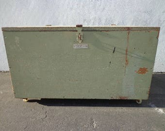 Trunk Vintage Military Foot Locker Storage Rustic Steamer Coffee Table Hope Chest Blanket Bench Wood Bohemian Boho Chic Cottage Primitive
