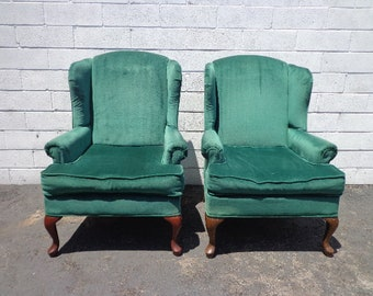 Pair of Chairs Traditional Wingback Armchairs Chair Seating Vintage Wing Back Chippendale Lounge Mid Century Modern English Set High Back