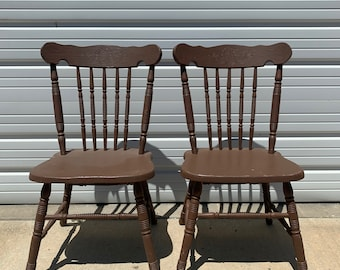 Pair of Antique Chairs Spindle Back Traditional American Empire Victorian Colonial Country French Provincial Shabby Chic Vintage Seating