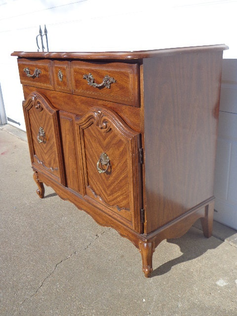French Provincial Broyhill Cabinet Buffet Console Tea Bar