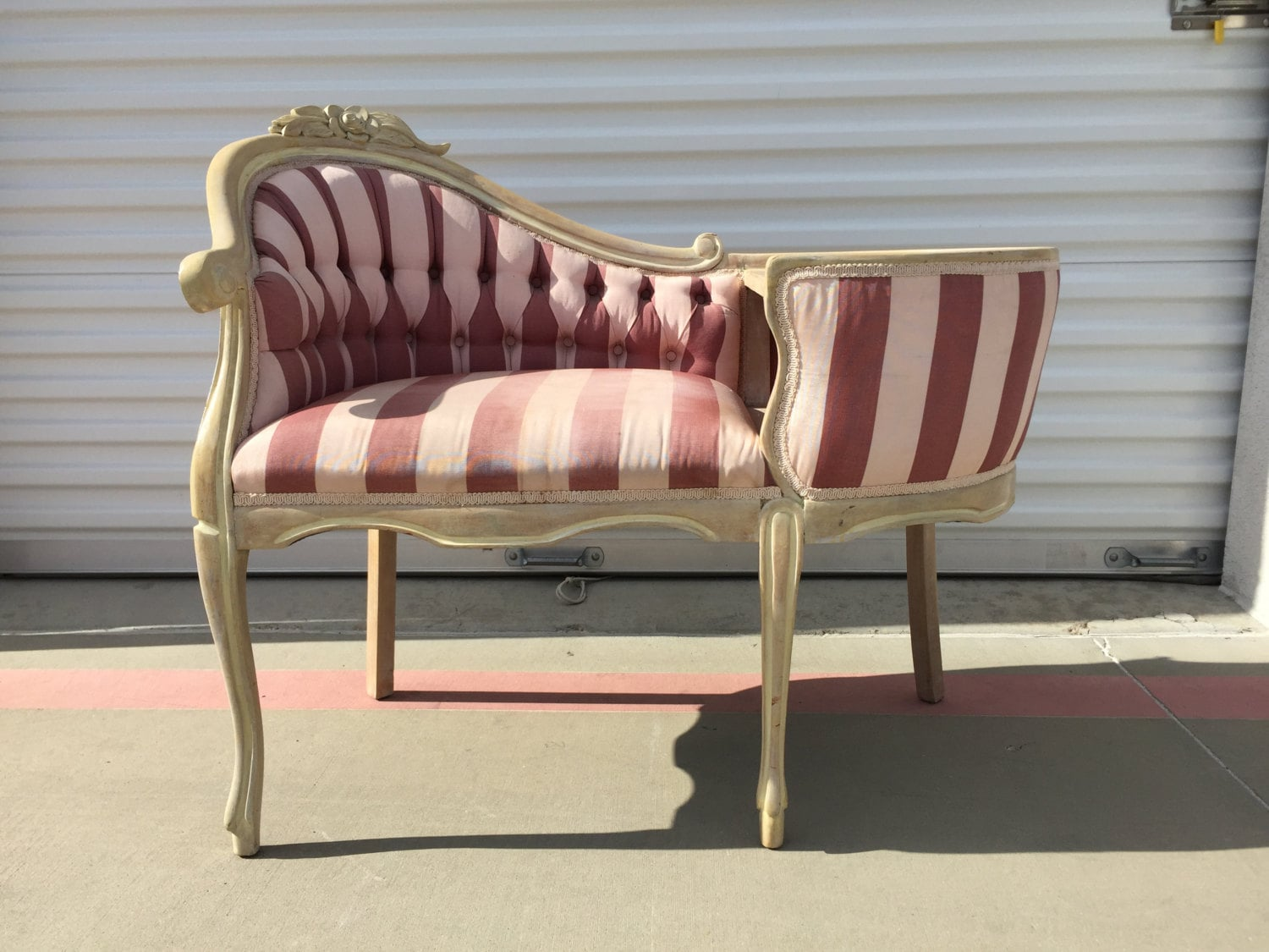 Entry Chair Gossip Bench Armchair Victorian French Provincial Furniture  Chaise Lounge Hollywood Regency Photo Shoot Storage Wood Antique