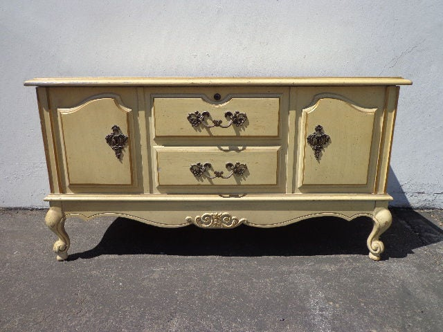 Magnificent Trunk Hope Chest French Provincial Bench Entry Way Creativecarmelina Interior Chair Design Creativecarmelinacom