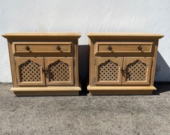 2 Vintage Thomasville Nightstands Moroccan Bohemian Boho Chic Wood Vintage Hollywood Regency Bedside Tables Set Bedroom CUSTOM PAINT AVAIL
