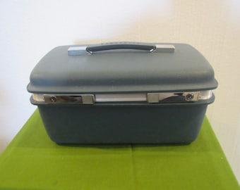 Vintage SAMSONITE SATURN MAKEUP Travel Overnite Case , hard shell / ,Tray ** blue, mirror