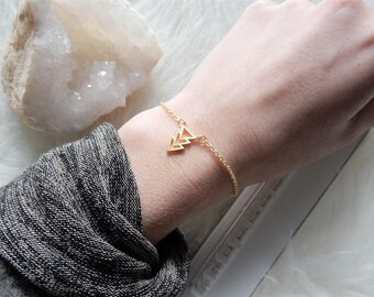 Gold Arrow Bracelet | Dainty Bracelet | Gold Arrow | Gold Triangle Bracelet Tiny Gold Bracelet Dainty Gold Bracelet Delicate Gold Bracelet