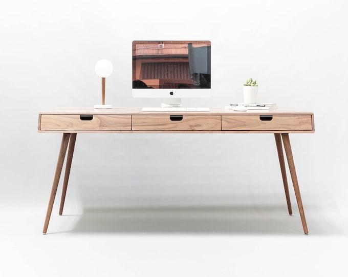Desk in walnut/oak  wood, Bureau, dressing table, office desk,  Mid Century, Tantik