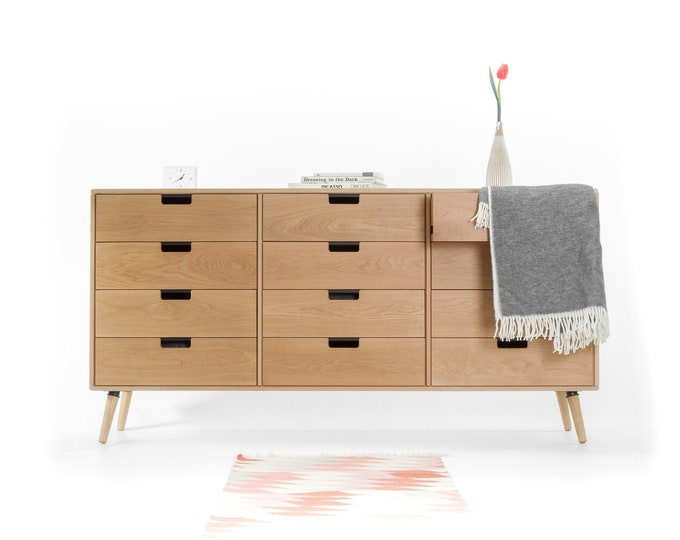 Chest of drawers, Mid-Century, Scandinavian style, in oak or walnut solid wood