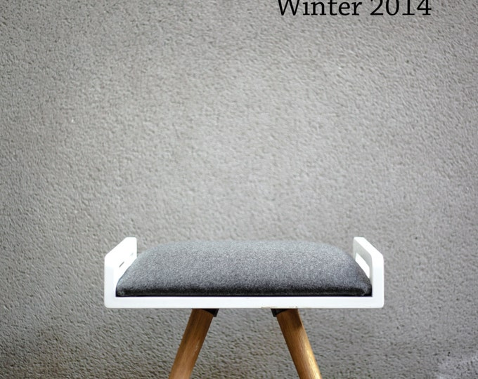 NEW !! Stool / Seat / Ottoman / bench in white lacquer and oak legs