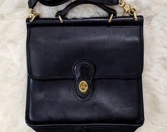 62bd03c641 Vtg. COACH Willis Bag in Black    Black Leather Crossbody Purse    Style  9927    90s Coach Classics