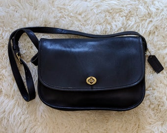 Vtg. COACH City Bag in Black Leather    Black Leather Coach Crossbody  Messenger    Coach Classics    Excellent Vintage Condition b810f685054f9