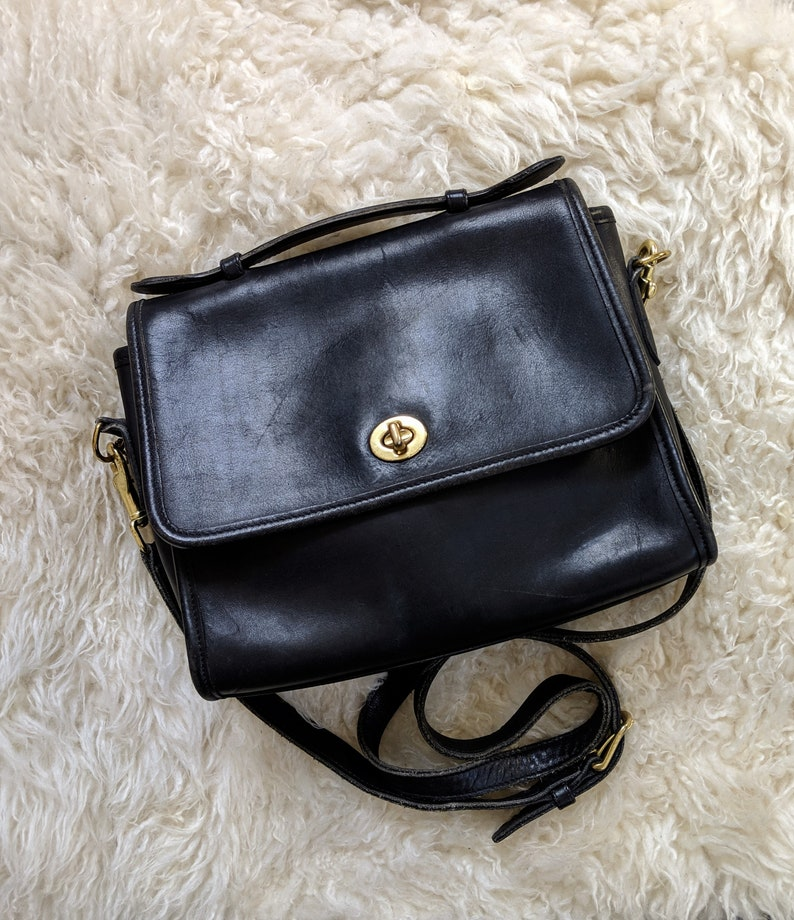 Vtg COACH Court Bag in Black    Black Coach Crossbody with Top  ccfca95bc1dc6