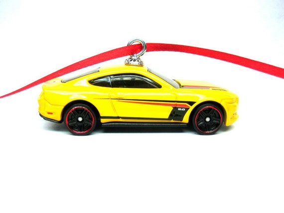2018 2019 2020 FORD MUSTANG GT RED MUSCLE CAR CHRISTMAS TREE ORNAMENT