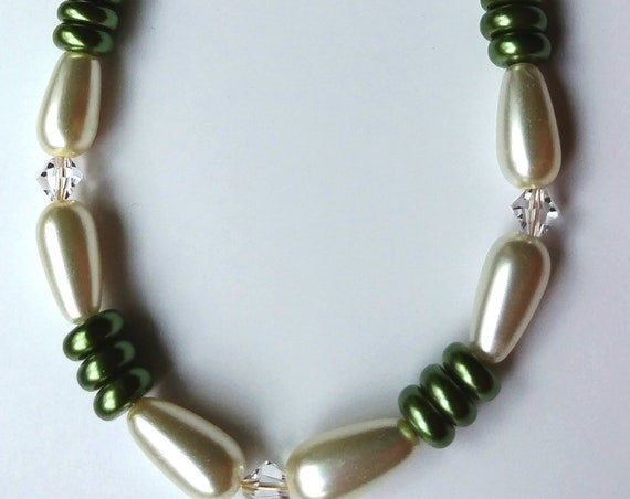 Green Bead Short Necklace, Chunky Green Pearl Necklace