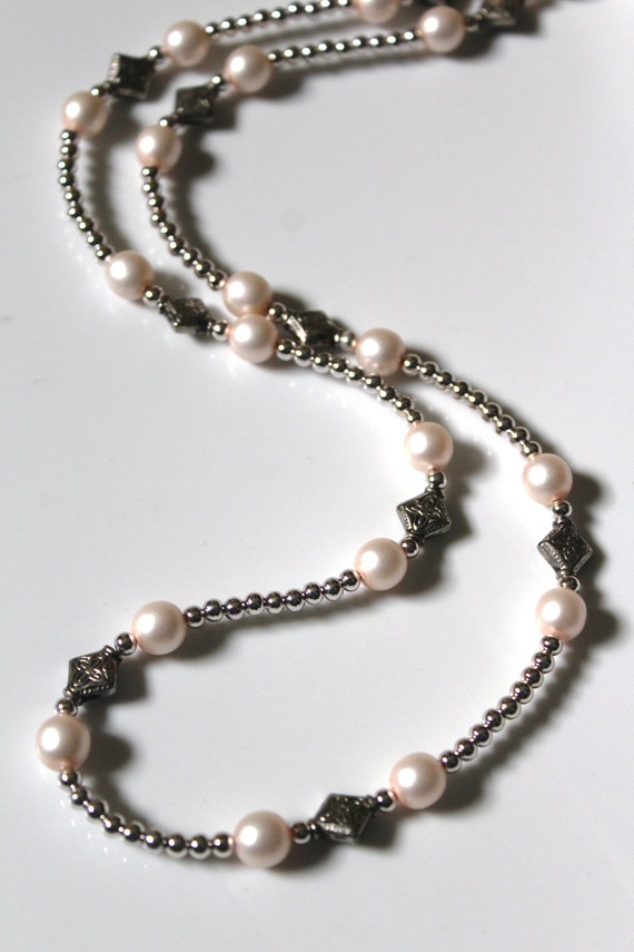 Silver and Matte Pearl Beaded Chain for Eyeglasses, White and Silver Eyeglass Chain, Gift for Her