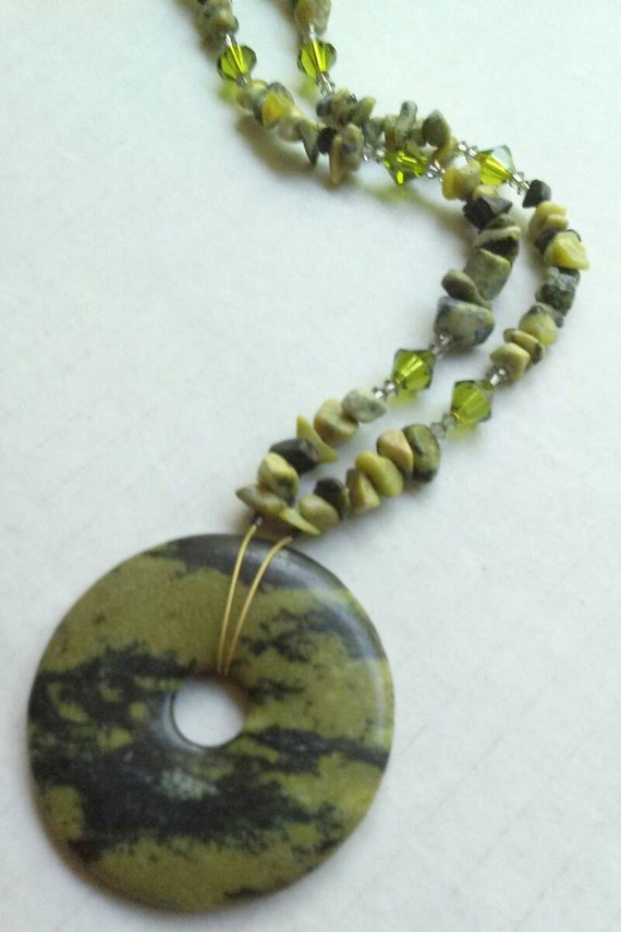 Yellow Turquoise Necklace, Short Donut Necklace, Green Stone Statement Necklace, Chip Beads