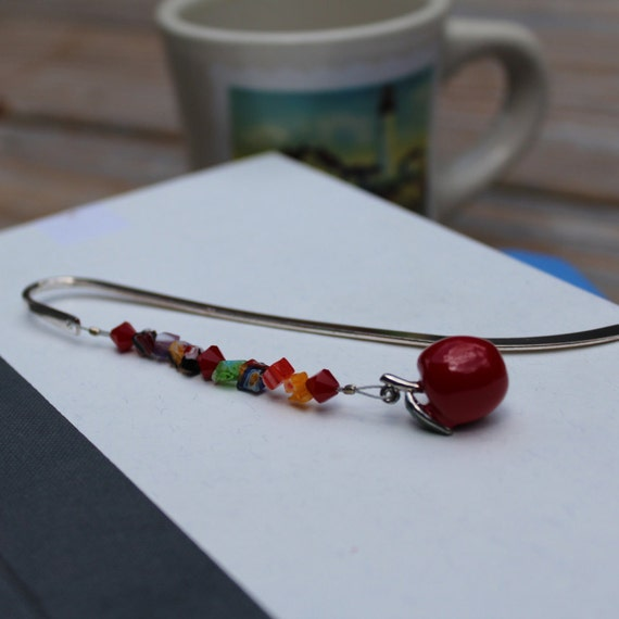 Teacher Bookmark, Apple Beaded Marker, Metal Boomark, Teacher Gift Idea, Reading Teacher