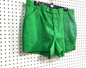 ee528163 Rare 1970s / 70s Mens Vintage Classic Chic Playboy Kelly Green Tailored  Sport Ivy Fashion Short