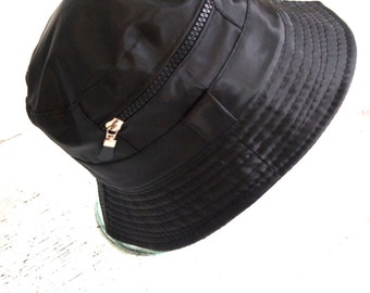 Wicked Vintage 1990s / 90s Mens Black Nylon Street Chic Health Goth Urban Rave Sport Tech Skater Punk Bucket Hat with Indiscrete Pocket
