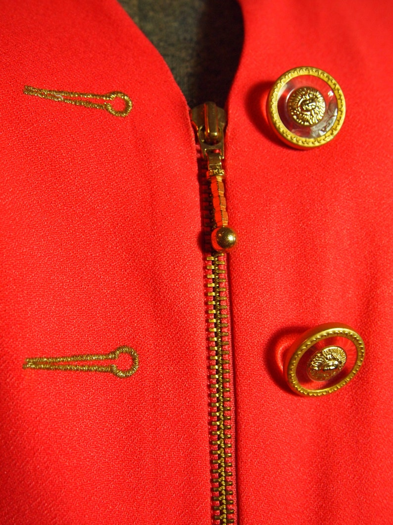 Rare Designer 1980s  80s Vintage Unisex Coral Pink Tailored Fashion Blazer Jacket with Clear and Gold Medusa Buttons and Unique Zipper Deta