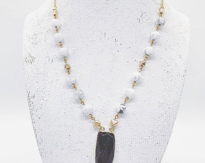 Howlite And Natural Stone Onyx Dagger Pendant Necklace