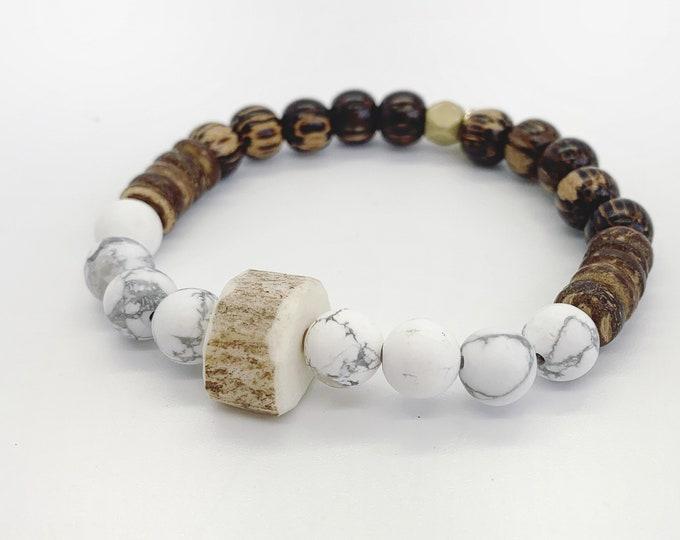 Antler bracelet, Howlite bracelet, wood bead bracelet, stretch bracelet, deer antler, natural stone, stone bracelet, hunting
