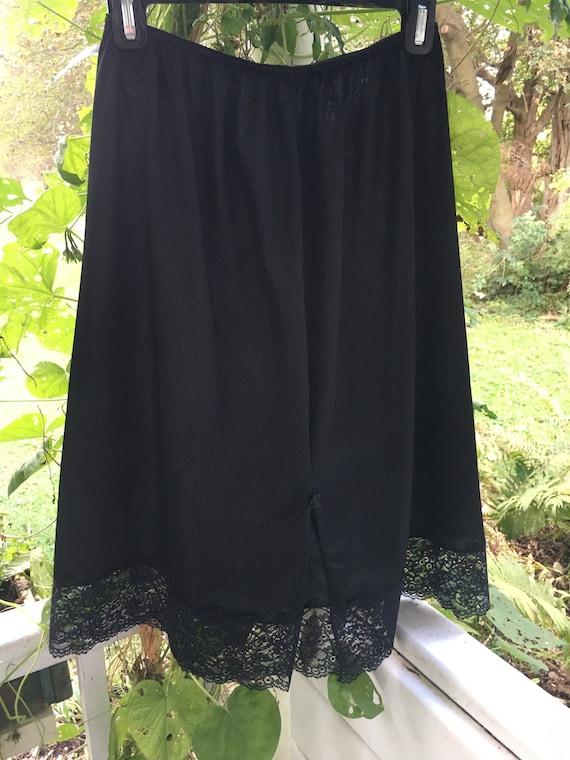 Vanity Fair Half Slip. Size Large/42. Nylon Lace … - image 2