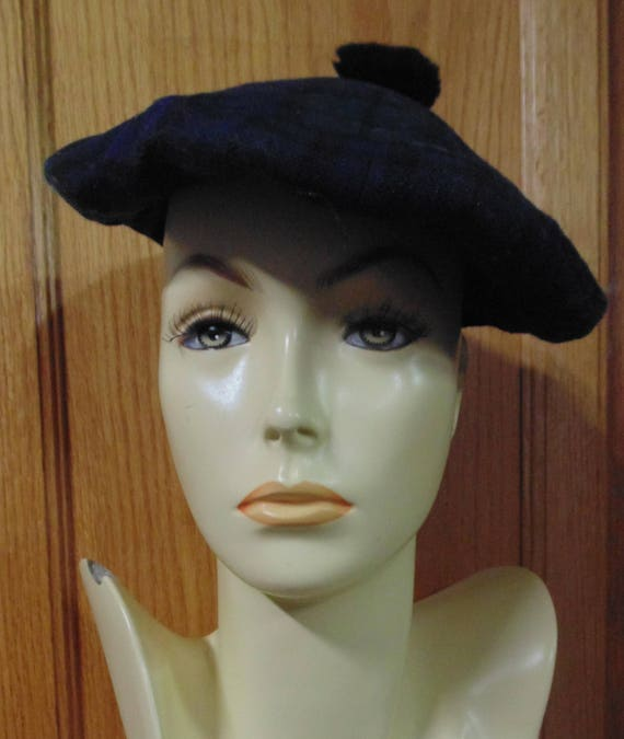Vintage Concordia Classic Beret, made In Canada, B