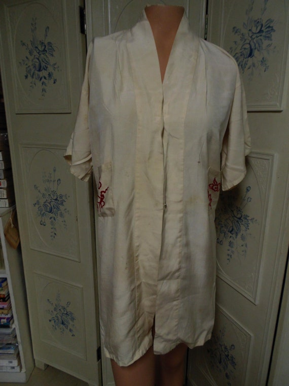 Vintage Japanese Robe with Embroidery, Bust 38""