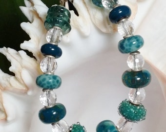 Boro Glass & Faceted Quartz Crystal Bracelet