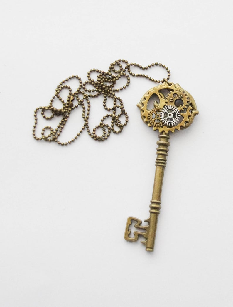 Steampunk Cosplay Cosplay Key Necklace Unisex Steampunk Gear Necklace Steampunk Key Necklace Steampunk Necklace Large Key Necklace
