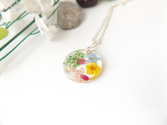 Party Jewelry Colorful Aesthetic Real Flower Wildflower Necklace Confetti Resin Pendant Handmade Resin Piece