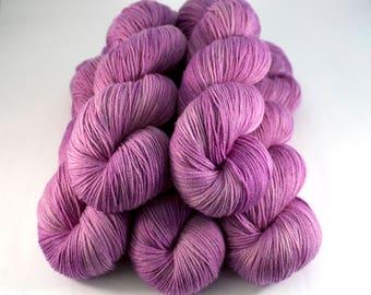 Smoothie Sock merino nylon hand dyed yarn 'Mallow'