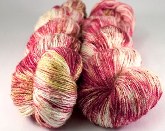 Burnish Bluefaced Leicester and silk yarn 'Fireside'