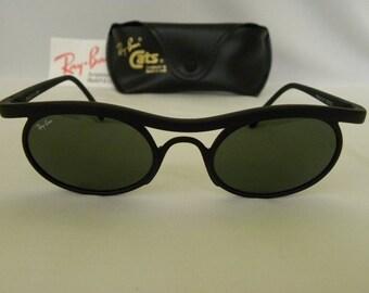 678f6ddc83779 New Vintage B L Ray Ban Predator Series 4 PS4 Matte Black W2171 Cats Round  Sunglasses USA NOS