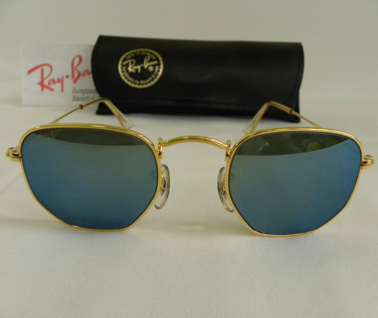 5782d32055 New Vintage B L Ray Ban Classic Collection Style III Gold Blue