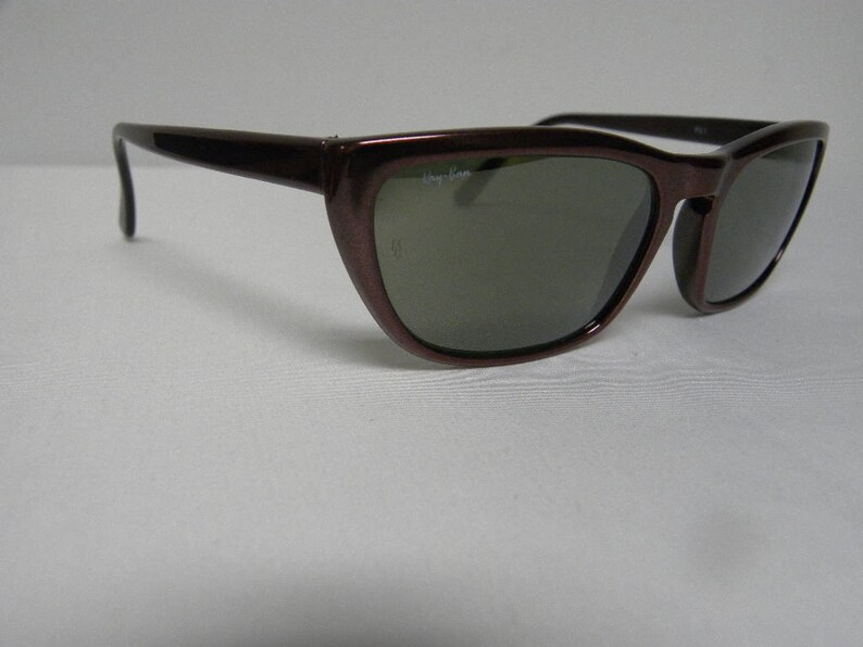 301d38861c57a8 New Vintage B L Ray Ban Predator 1 PS1 Style I Crimson Rage
