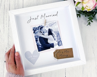 Just Married Photo Frame-  Personalised Wedding Gift - Wedding Keepsake- Mr and Mrs Gift- Wedding Photo Frame