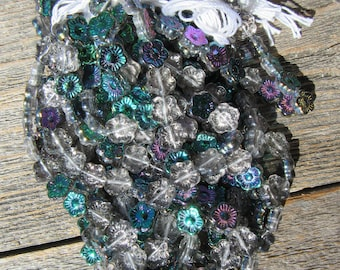 Czech Flowers 10/10: Green Vitral Crystal (One Strand-25 Pieces)