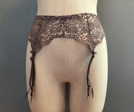 XS / Victoria's Secret Vintage Garter Belt / Lace