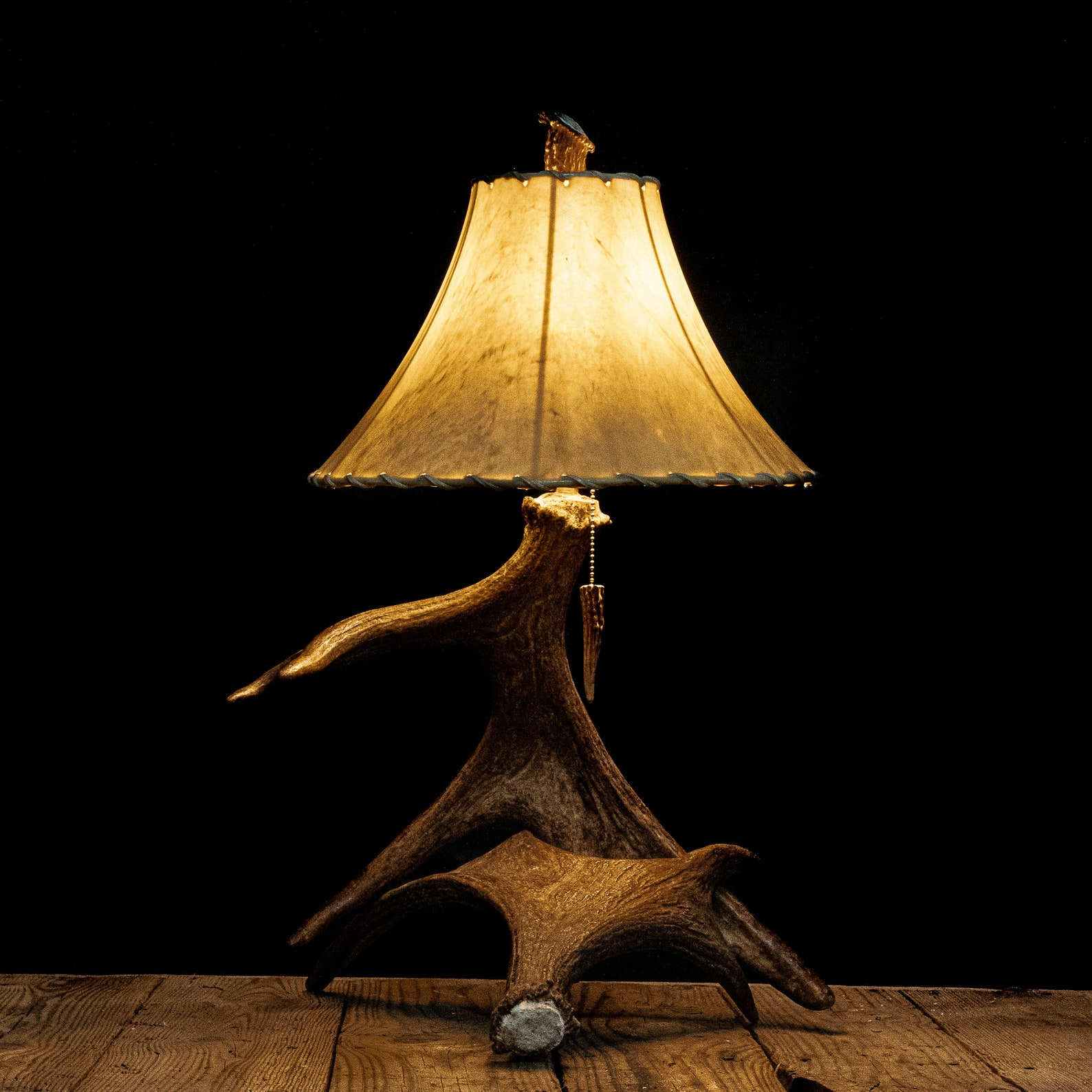 Small Moose Antler End Table Nightstand Lamp Rustic Décor ...