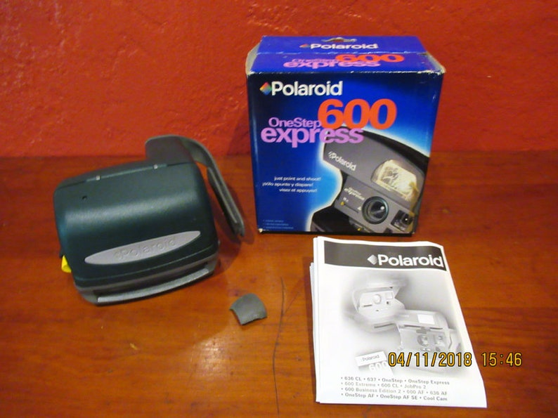 Polaroid 600 One Step Express Instant Camera image 0