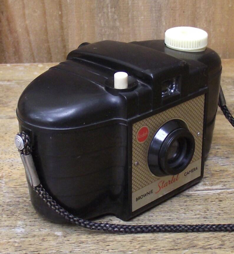 Kodak Brownie Starlet 127 Film Camera Collectible image 0