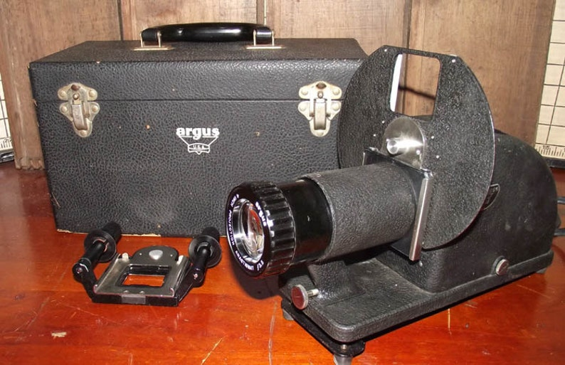 Old 1940s Argus Slide and Film Strip Projector image 0