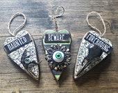 Curio hanging hearts, crow skull heart, crow foot heart, Wicca art, magik hanging hearts. Creepy art, Vulture culture, taxidermy, dead art.