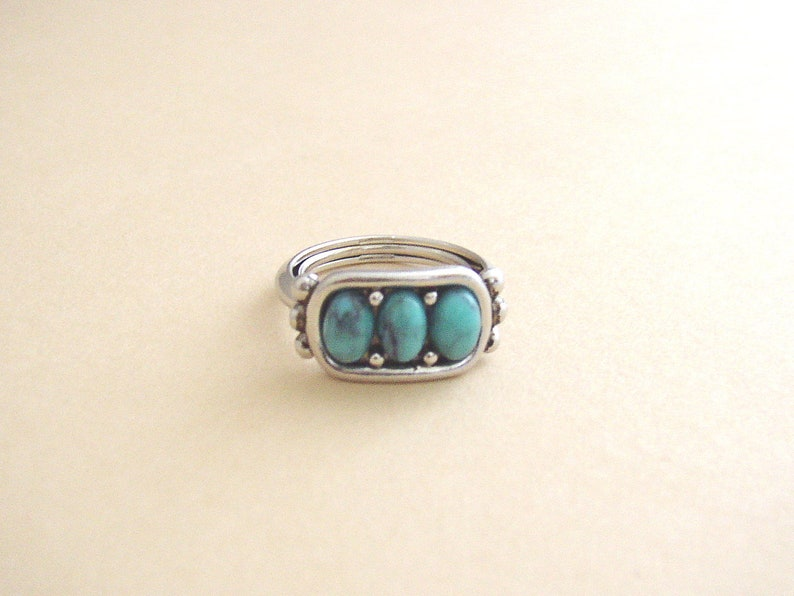 AVON  Desert Azure silver tone ring with rectangle bezel image 0