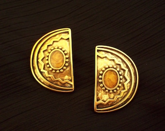 TRIFARI - Half moon clip on gilded metal earrings ethnic South-Western style 1970s-1980s